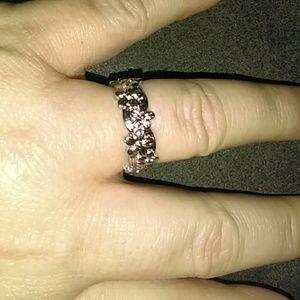 Jewelry - Size 9 Sterling Silver Floral Eternity Band